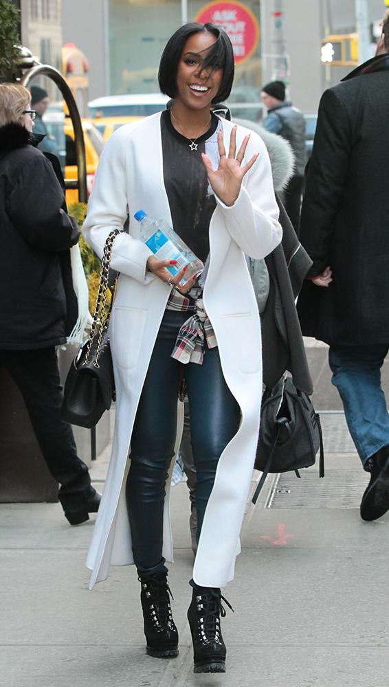 Kelly-Rowland-Chanel-Bags-11