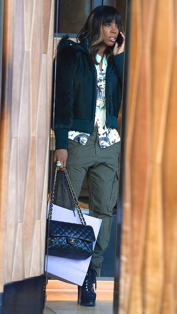 Kelly-Rowland-Chanel-Bags-12