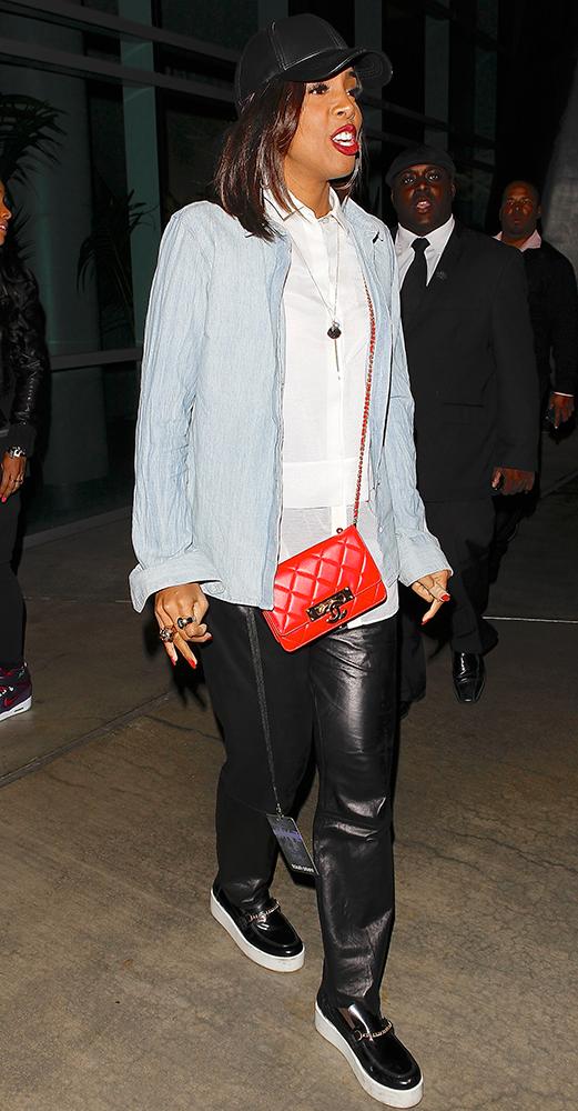 Kelly-Rowland-Chanel-Bags-14