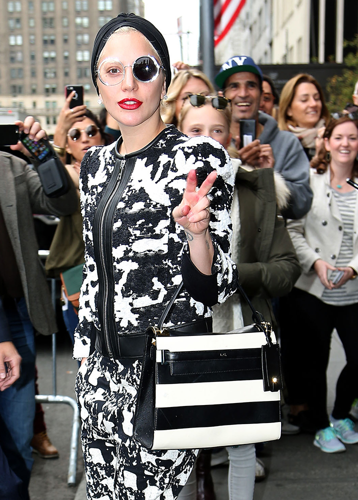 Lady-Gaga-Valentino-My-Rockstud-Top-Handle-Bag