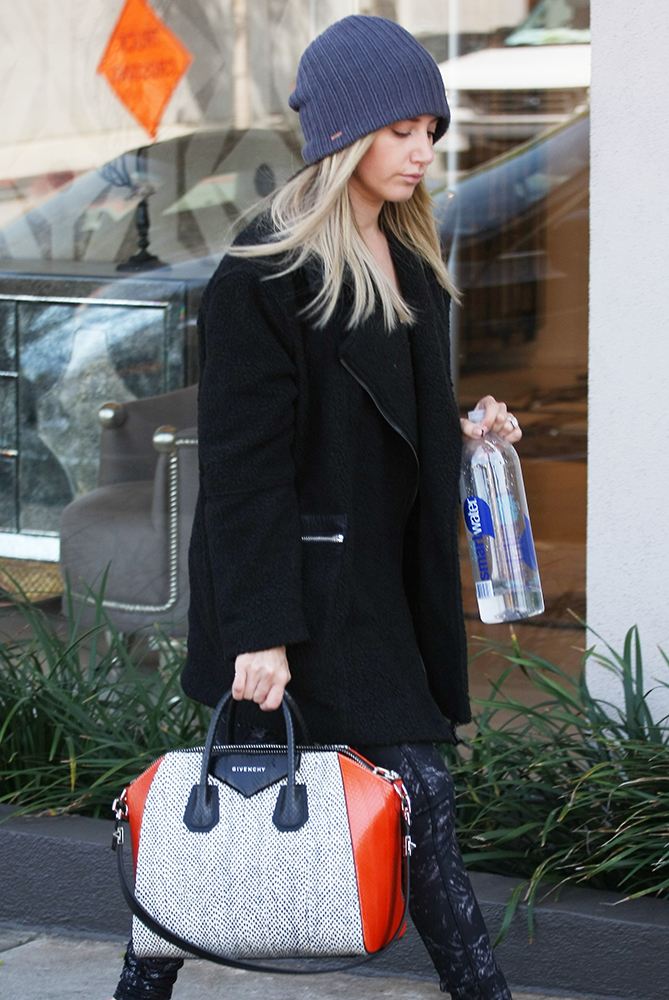 Ashley-Tisdale-Givenchy-Antigona-Bag