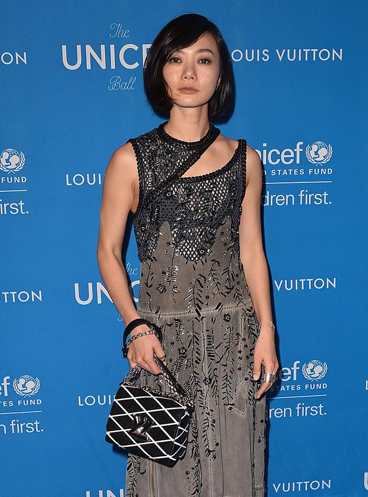 Bae-Doona-Louis-Vuitton-Twist-Shoulder-Bag