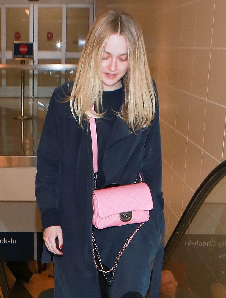 Dakota-Fanning-Chanel-Flap-Bag