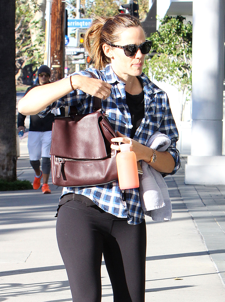 Jennifer-Garner-Givenchy-Pandora-Pure-Bag