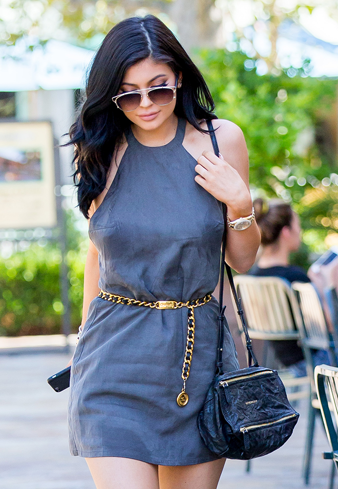 Kylie-Jenner-Givenchy-Mini-Pandora-Bag
