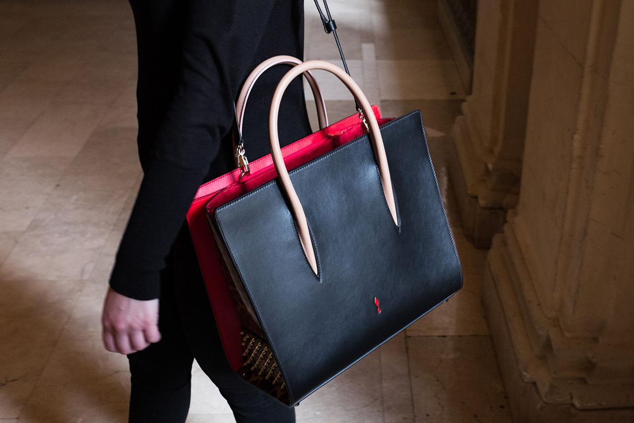 Про сумки Christian Louboutin