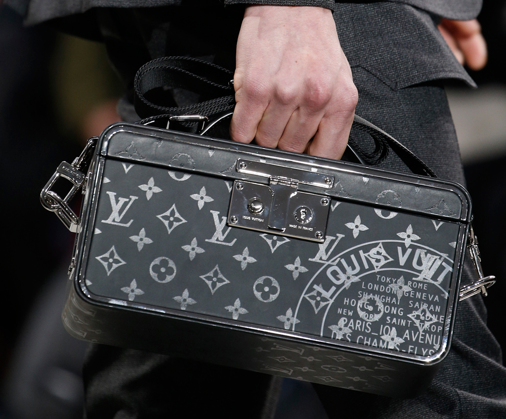 louis vuitton debuts new monogram eclipse print at men u0026 39 s fall 2016 show