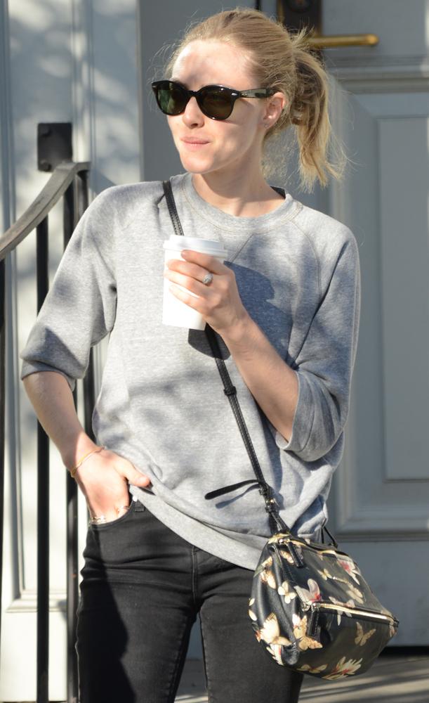 Amanda-Seyfried-Givenchy-Magnolia-Mini-Pandora-Bag-1