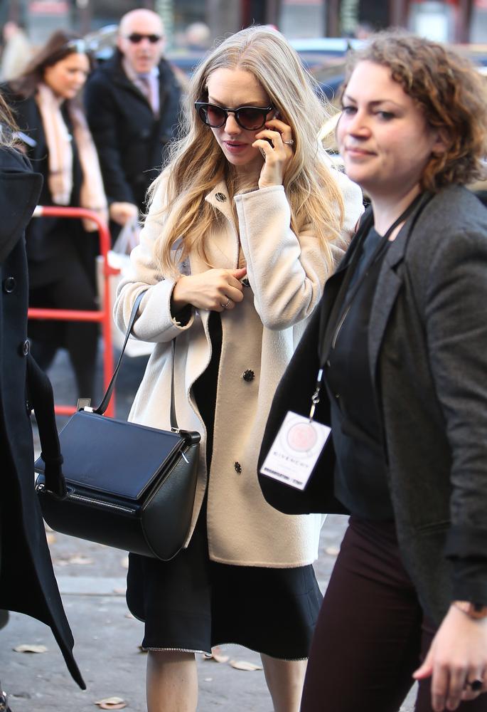 Amanda-Seyfried-Givenchy-Pandora-Box-Bag