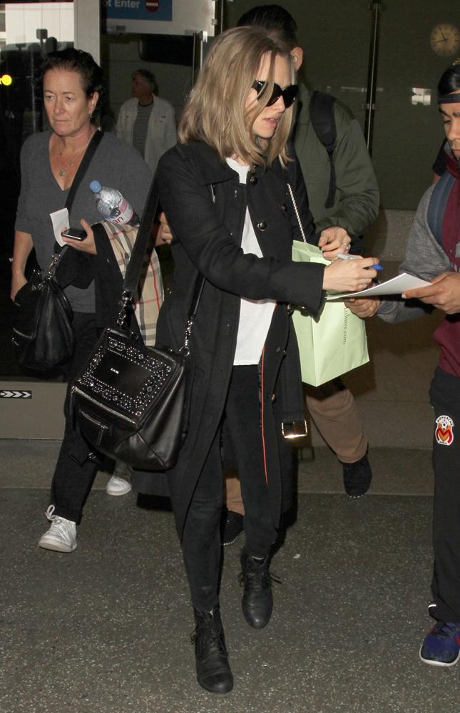 Amanda-Seyfried-Givenchy-Studded-Pandora-Bag