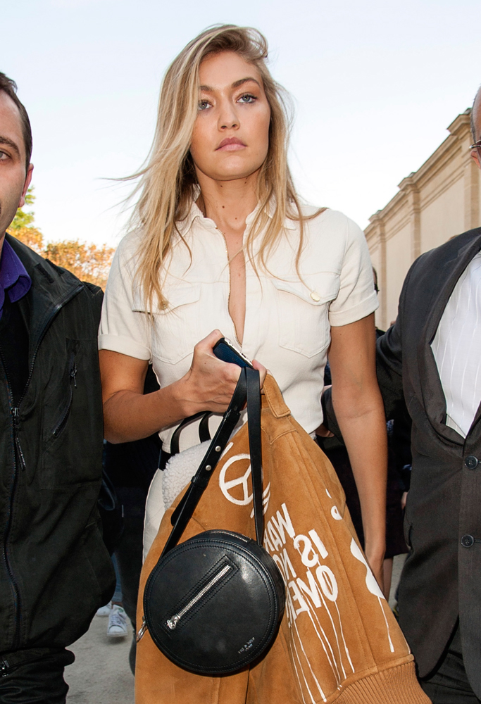 Gigi-Hadid-Rag-and-Bone-Circle-Crossbody-Bag