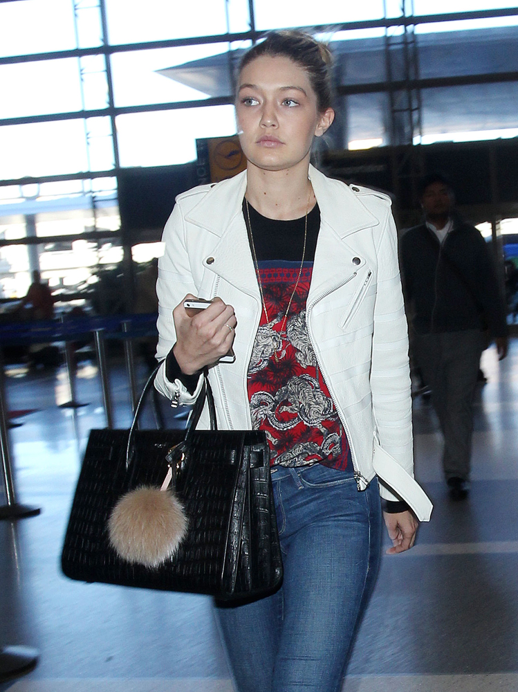 854bd46c93 Gigi-Hadid-Saint-Laurent-Sac-de-Jour-Bag