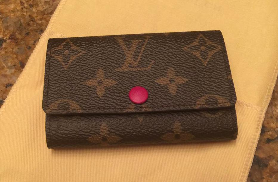 Louis-Vuitton-Card-Holder