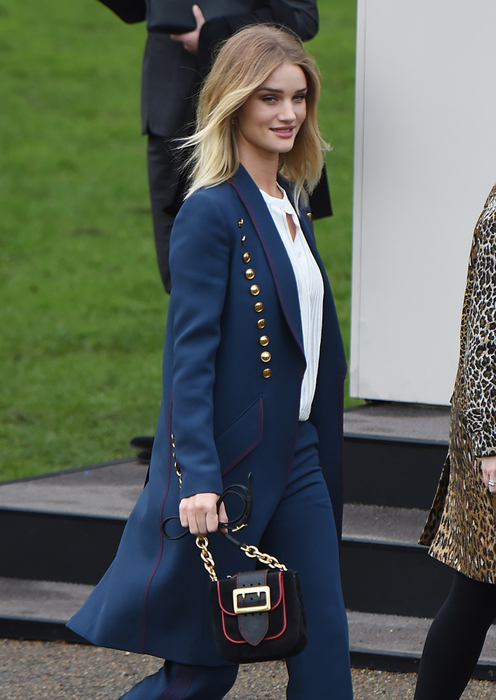 Rosie-Huntington-Whiteley-Burberry-Mini-Buckle-Bag