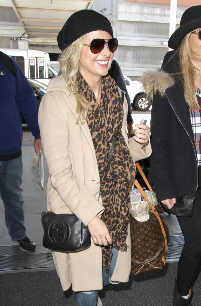 Sarah-Michelle-Gellar-Gucci-Soho-Disco-Bag-Louis-Vuitton-Monogram-Sac -Shopping-Tote 23e72235224