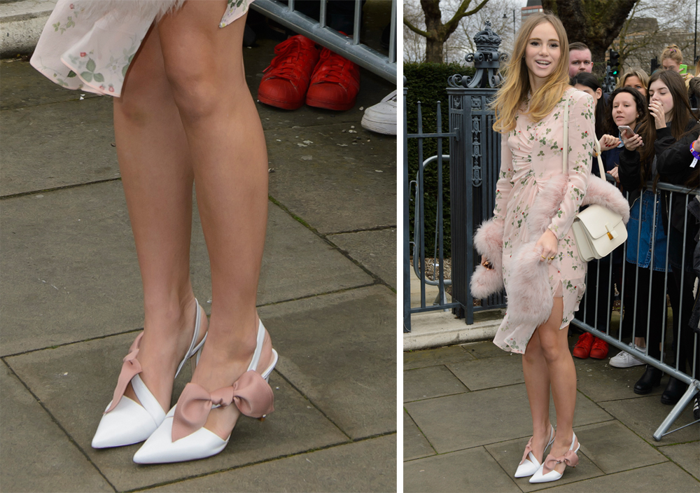 Suki-Waterhouse-Topshop-Unique-Bow-Court-Shoes