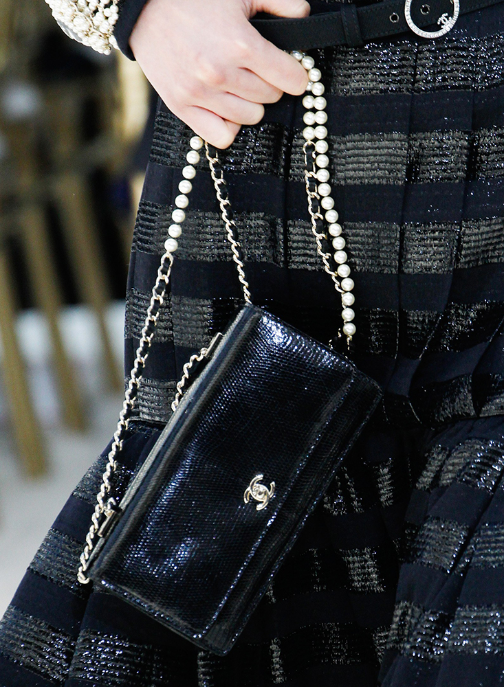 Chanel-Fall-2016-Bags-12