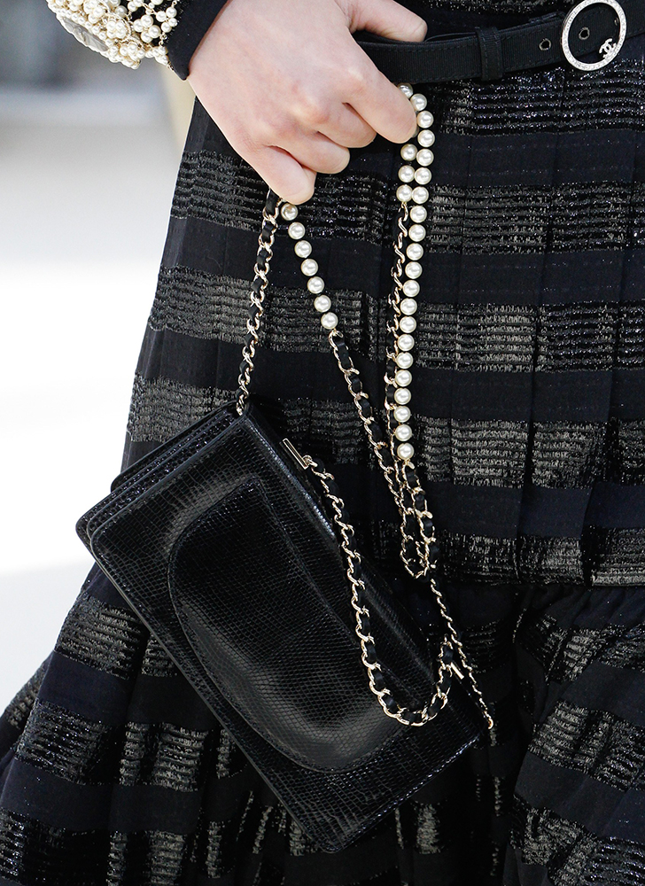 Chanel-Fall-2016-Bags-21