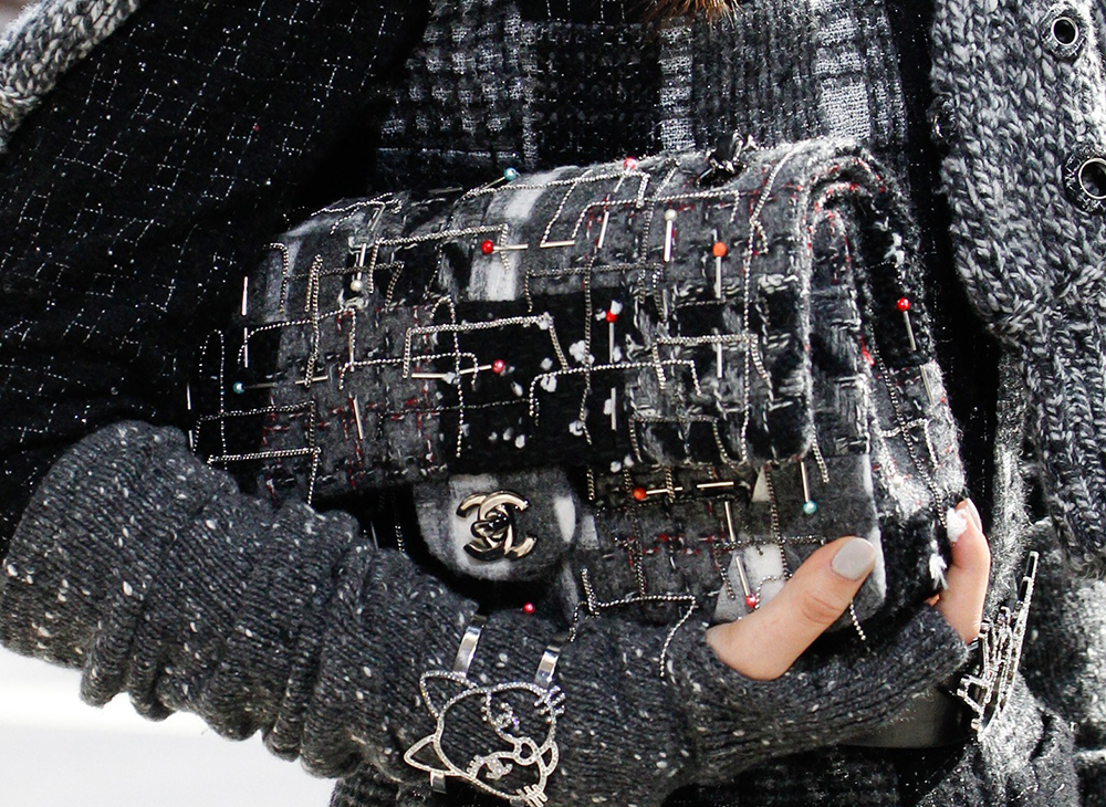 Chanel-Fall-2016-Bags-22