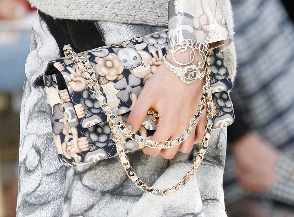 Chanel-Fall-2016-Bags-25