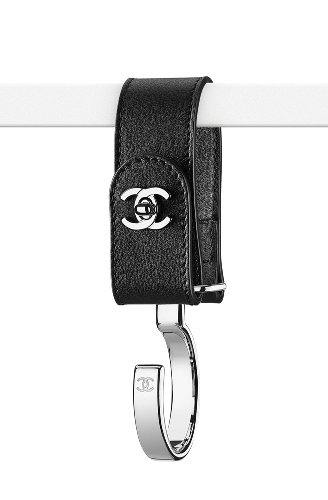 Chanel-Luggage-Hook-Black-550