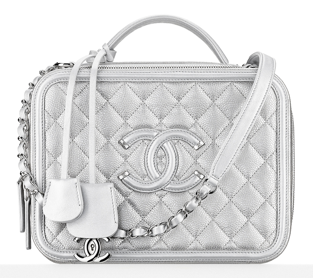 Chanel-Metallic-Vantiy-Case-4200