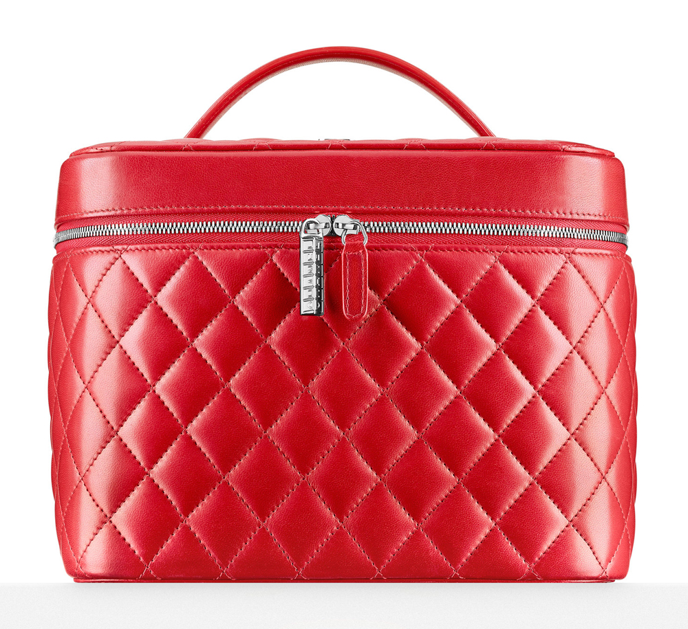 Chanel-Quilted-Vantiy-Pouch-1750