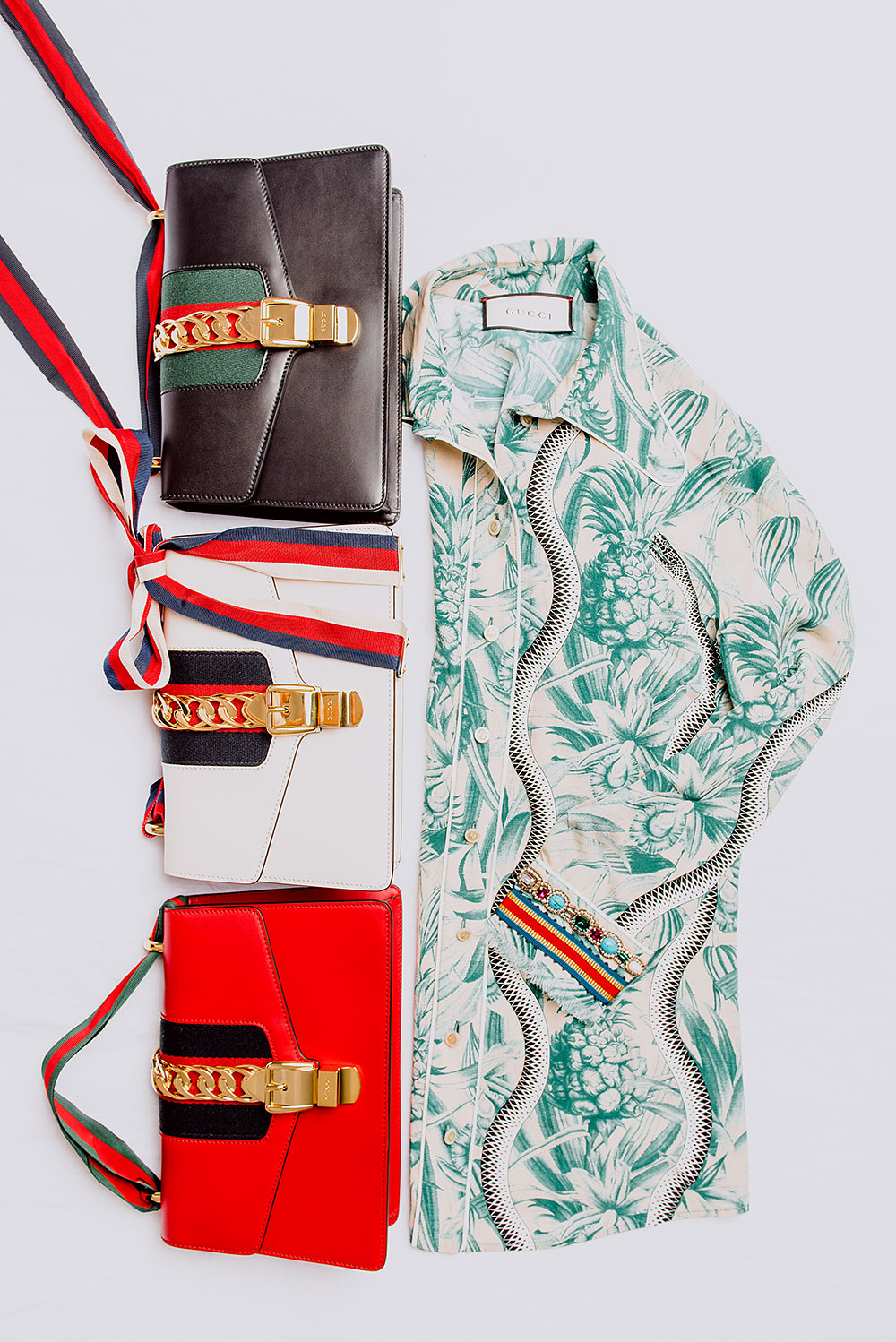 GUCCI SYLVIE BAG IN BLACK, OFF-WHITE, RED AND GUCCI SNAKE PRINT CRÊPE DE CHINE SHIRT,