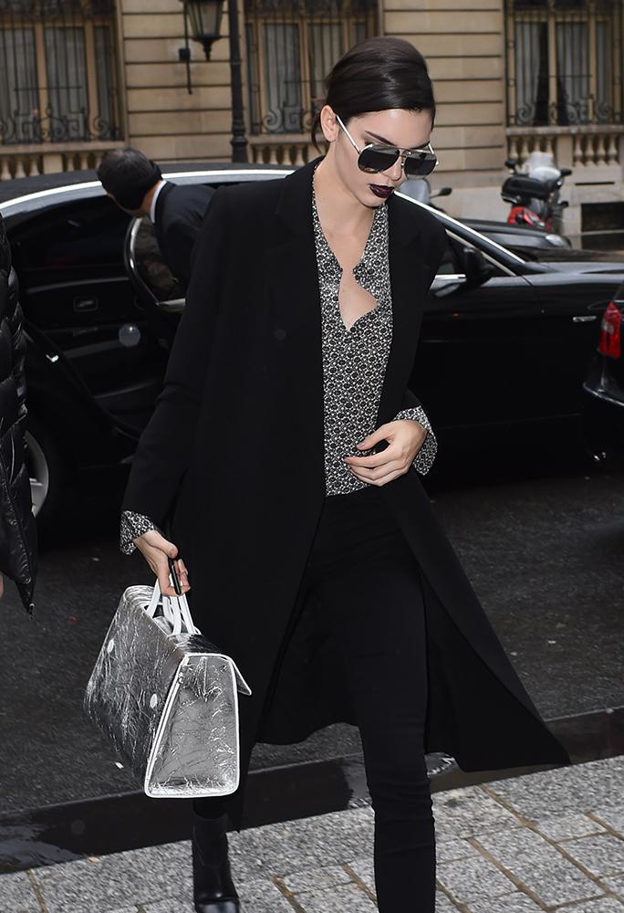 Kendall-Jenner-Dior-Diorever-Bag