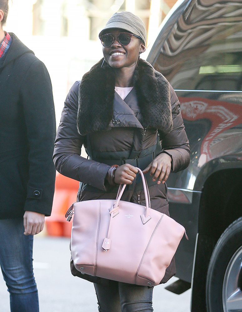 Lupita-Nyongo-Louis-Vuitton-Soft-Lockit-Bag