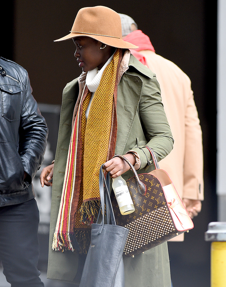 Lupita-Nyongo-Louis-Vuitton-x-Christian-Louboutin-Shopping-Bag
