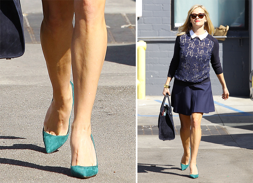 Reese-Witherspoon-Manolo-Blahnik-BB-Pumps-Green