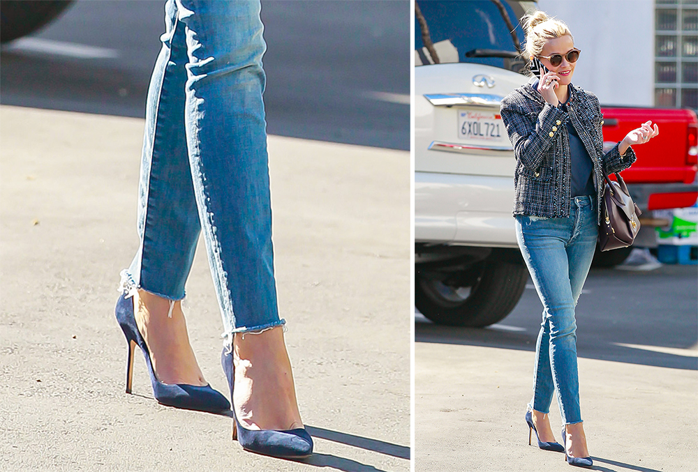Reese-Witherspoon-Manolo-Blahnik-BB-Suede-Pumps-Navy
