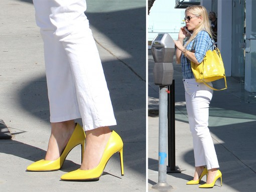 Reese-Witherspoon-Saint-Laurent-Janis-Pumps-Yellow
