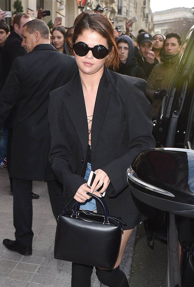 Selena-Gomez-Louis-Vuitton-Bag