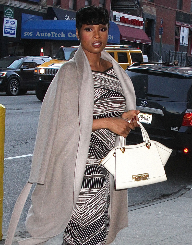 Jennifer-Hudson-ZAC-Zac-Posen-Eartha-Satchel