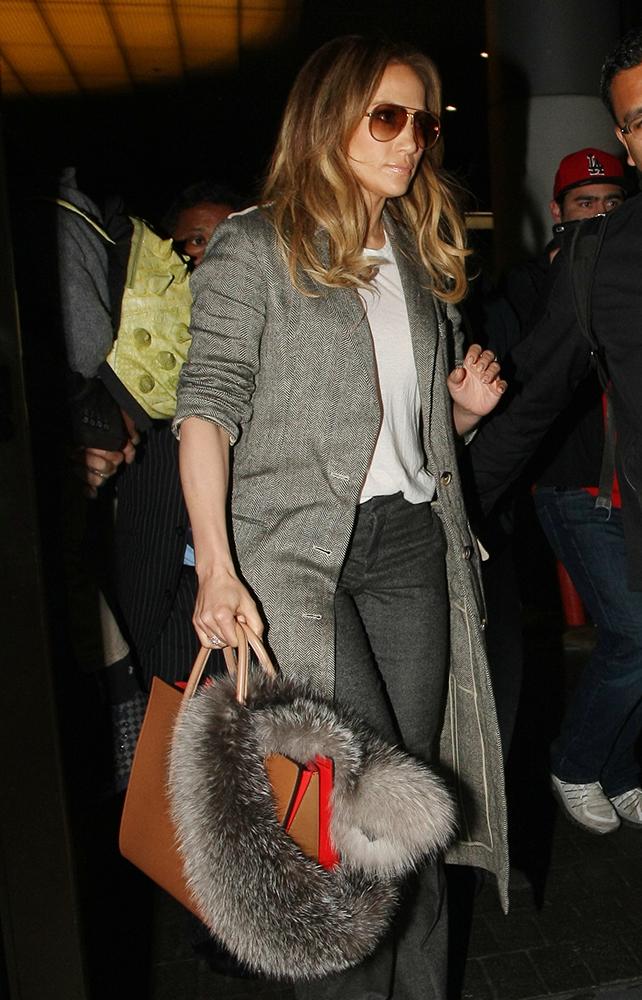 Jennifer-Lopez-Christian-Louboutin-Paloma-Tote