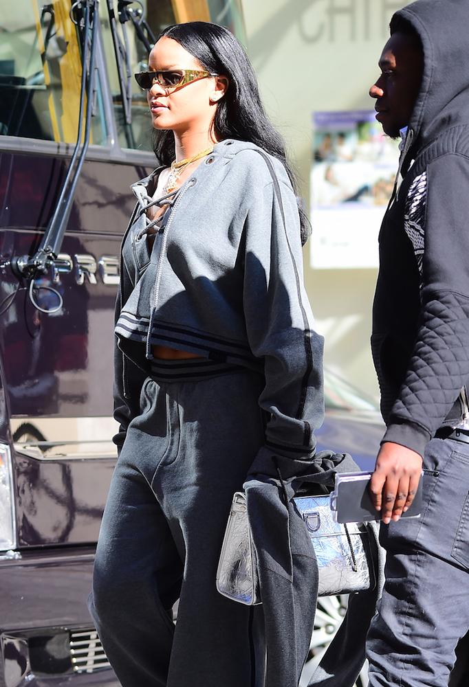 Rihanna-Christian-Dior-Diorever-Tote