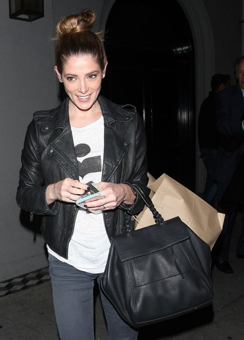 8292c661804a2 Ashley-Greene-Tory-Burch-Half-Moon-Satchel - PurseBlog