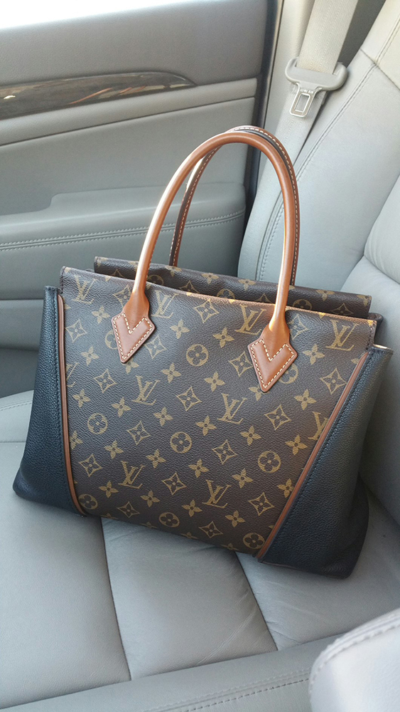 tPF Member: Bostonpatsgirl Bag: Louis Vuitton W PM Tote $4,400 via Louis Vuitton