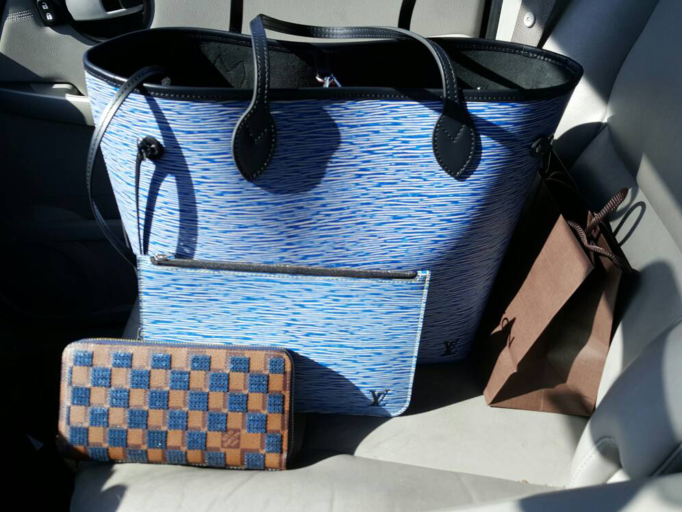 tPF Member: Camaro Chic, Bag: Louis Vuitton Epi Leather Neverfull, Shop: $2,150 via Louis Vuitton