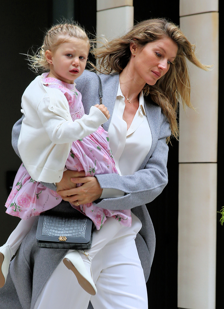 c1193432c32ca0 The Many Bags of Celebrity Moms, Part 3 - PurseBlog