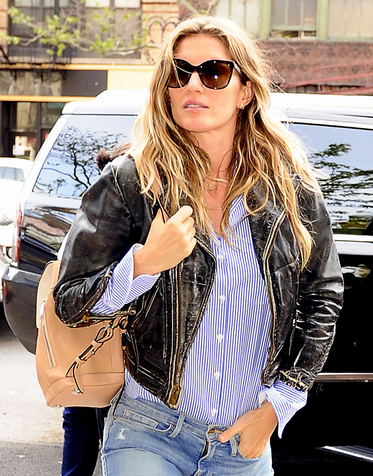 Gisele-Bundchen-Rag-and-Bone-Pilot-Backpack