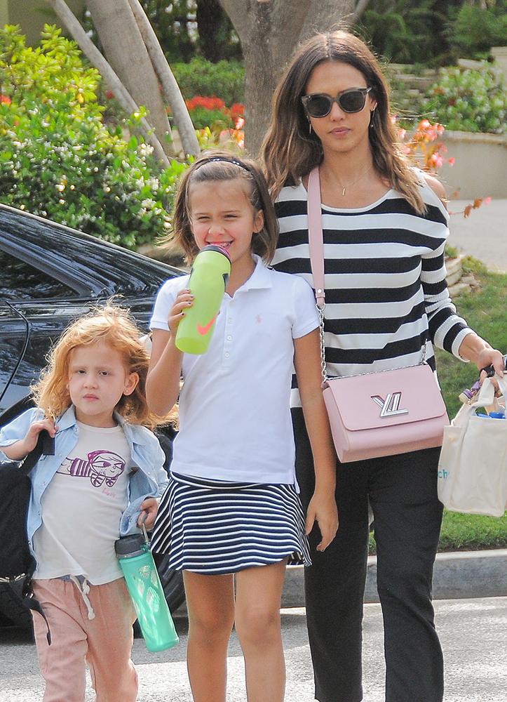 Jessica-Alba-Louis-Vuitton-Twist-Bag