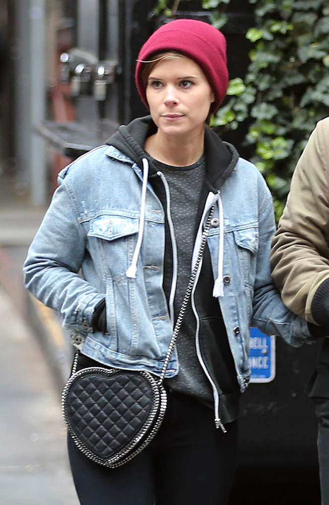 Kate-Mara-Stella-McCartney-Falabella-Heart-Bag