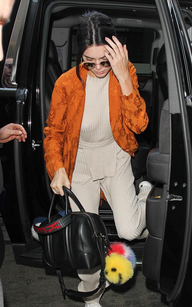 Kendall-Jenner-Givenchy-Antigona-Bag