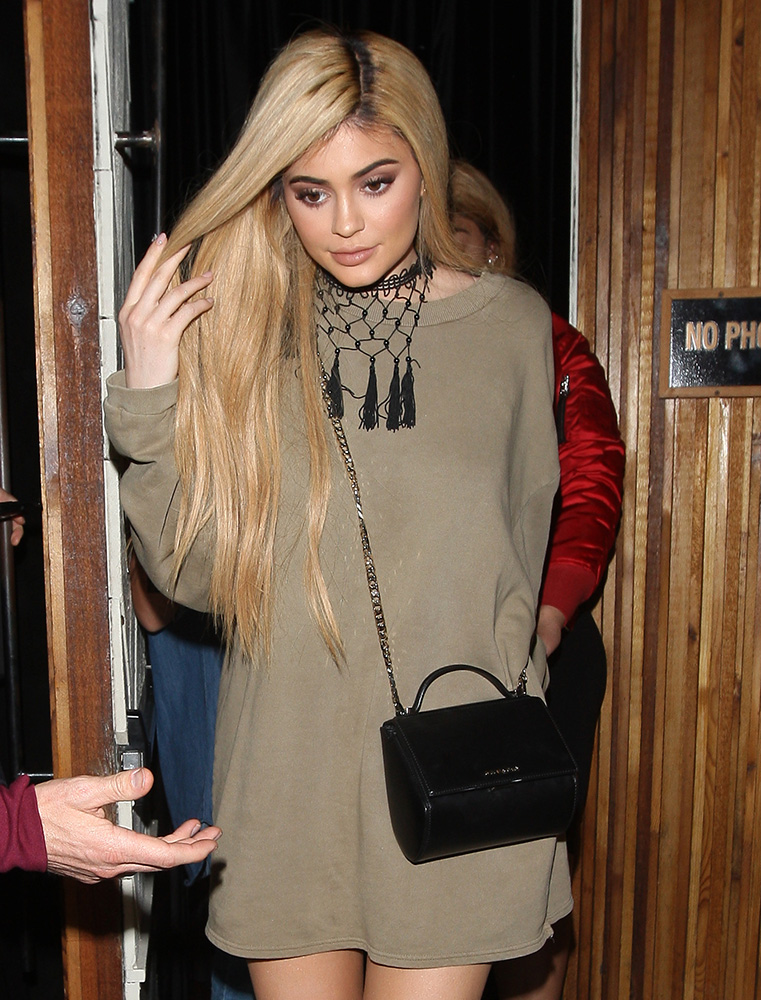 Kylie-Jenner-Givenchy-Mini-Pandora-Box-Bag