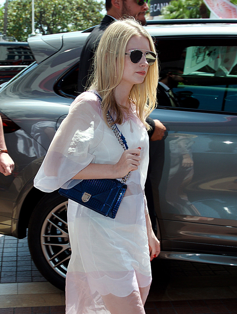 64f1c0ded 45+ Bags on the Arms of the 2016 Cannes Film Festivals Super Glam ...