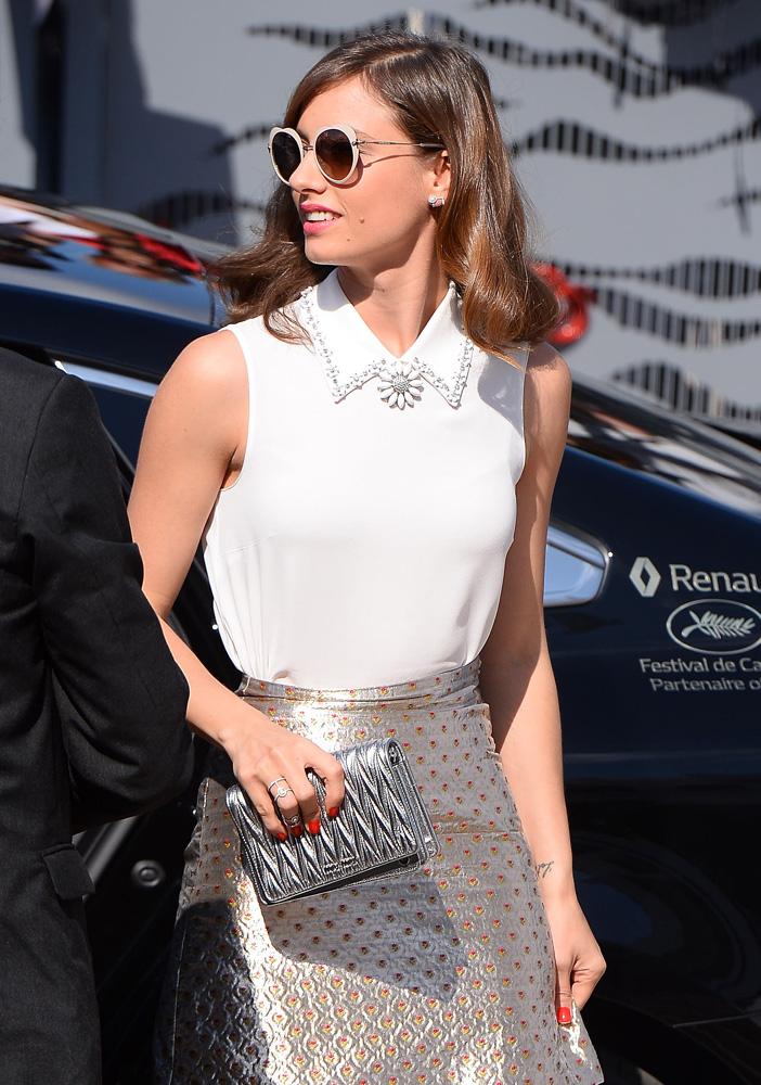 Michelle-Jenner-Miu-Miu-Matelasse-Clutch