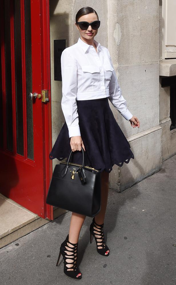 Miranda-Kerr-Louis-Vuitton-City-Steamer-Bag